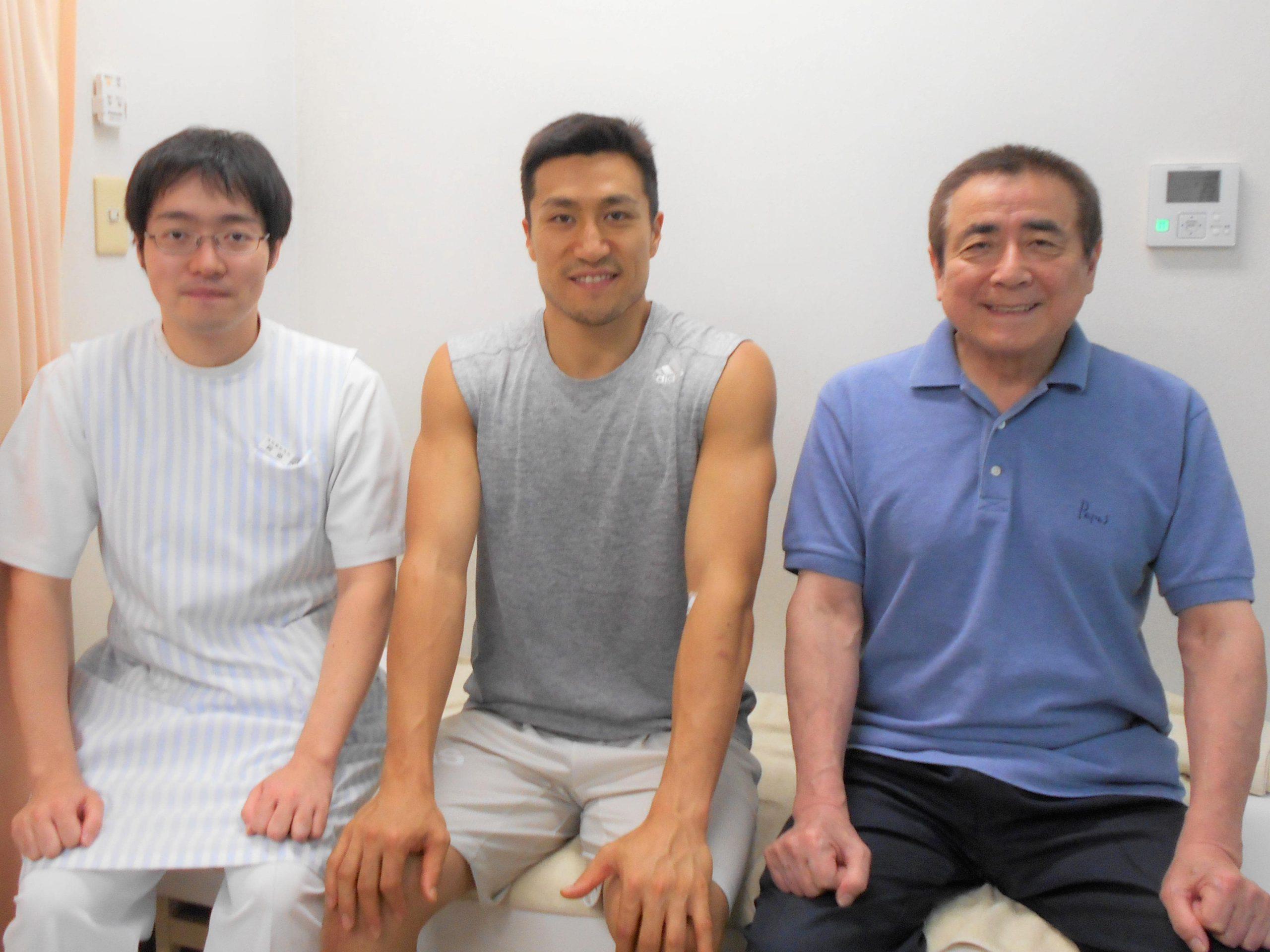 仙台89ERSの片岡大晴選手が浅沼整形外科に来院されました