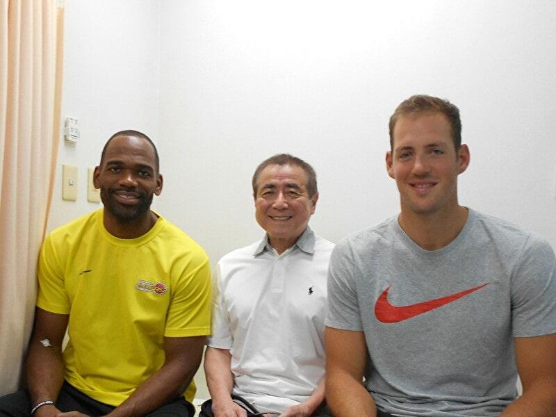 仙台89ERSのダニエル・ミラー選手とジェロウム・ティルマン選手が浅沼整形外科に来院されました